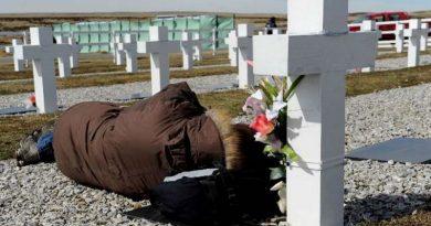 Malvinas: habría tumbas con nombres falsos en Darwin